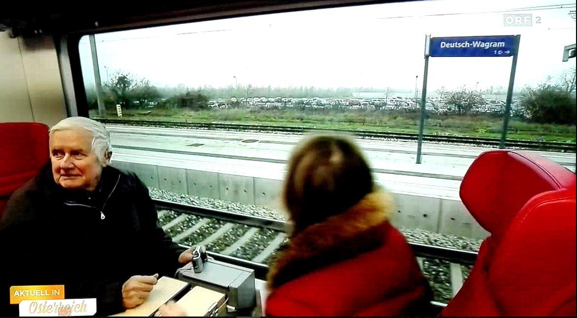 11-Sonderzug_Einfahrt_in_DW